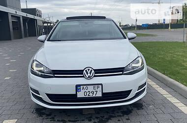 Седан Volkswagen Golf VII 2015 в Ужгороде