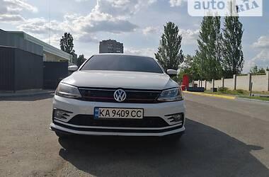 Седан Volkswagen Jetta 2016 в Николаеве
