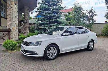 Volkswagen Jetta Premium 2016