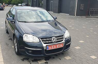 Седан Volkswagen Jetta 2008 в Ужгороде