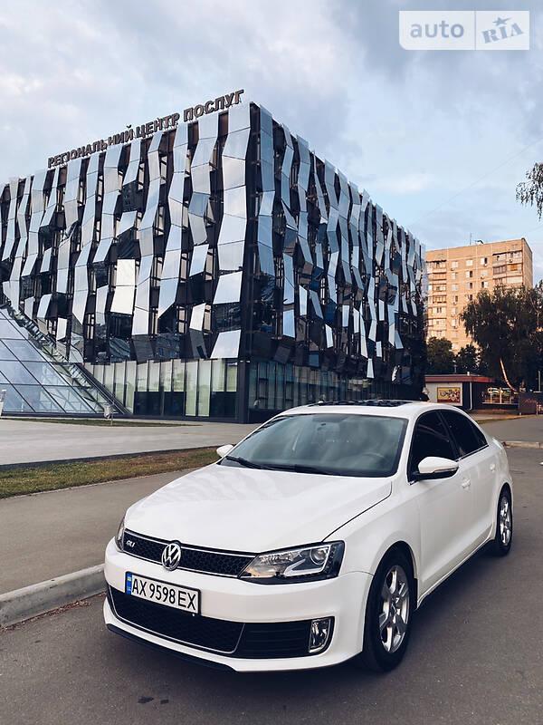 Седан Volkswagen Jetta 2012 в Харкові