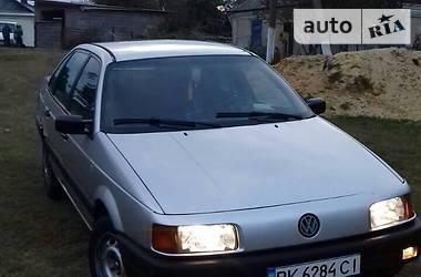 Volkswagen Passat B3 1989 в Острозі
