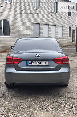 Седан Volkswagen Passat B7 2012 в Мелитополе
