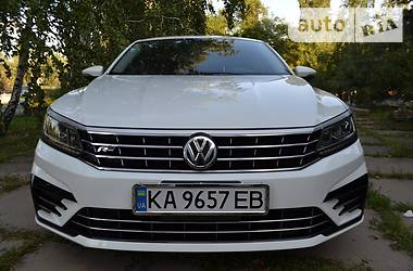 Седан Volkswagen Passat B7 2017 в Києві