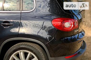 Volkswagen Tiguan 2010 в Покровске