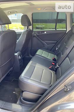 Позашляховик / Кросовер Volkswagen Tiguan 2010 в Дніпрі