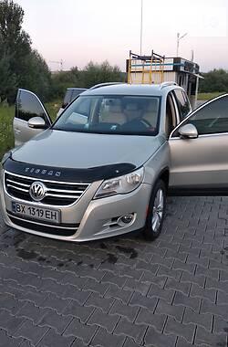 Внедорожник / Кроссовер Volkswagen Tiguan 2010 в Хмельницком