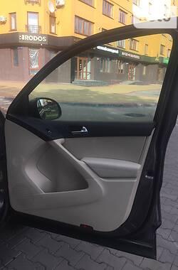 Внедорожник / Кроссовер Volkswagen Tiguan 2011 в Луцке