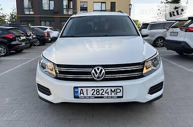 Внедорожник / Кроссовер Volkswagen Tiguan 2015 в Киеве