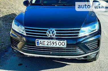 Внедорожник / Кроссовер Volkswagen Touareg 2015 в Кривом Роге