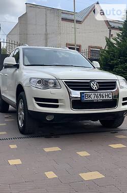 Внедорожник / Кроссовер Volkswagen Touareg 2009 в Сарнах