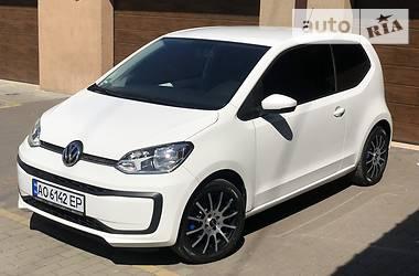 Купе Volkswagen Up 2016 в Ужгороде