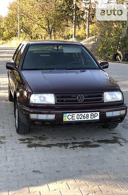 Седан Volkswagen Vento 1994 в Черновцах