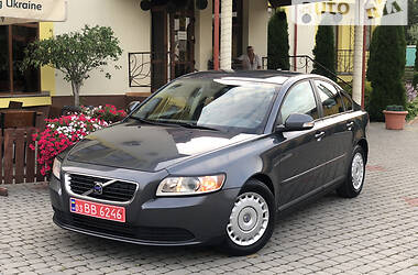 Седан Volvo S40 2010 в Трускавце