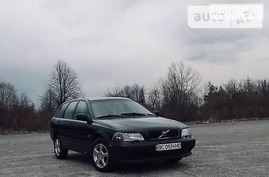 Volvo V40 1999 в Новояворовске