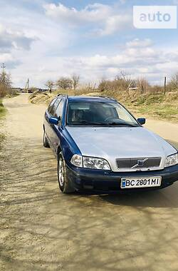 Универсал Volvo V40 1996 в Львове