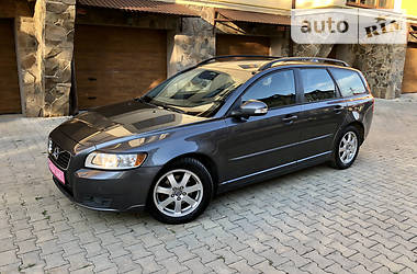 Универсал Volvo V50 2011 в Черновцах
