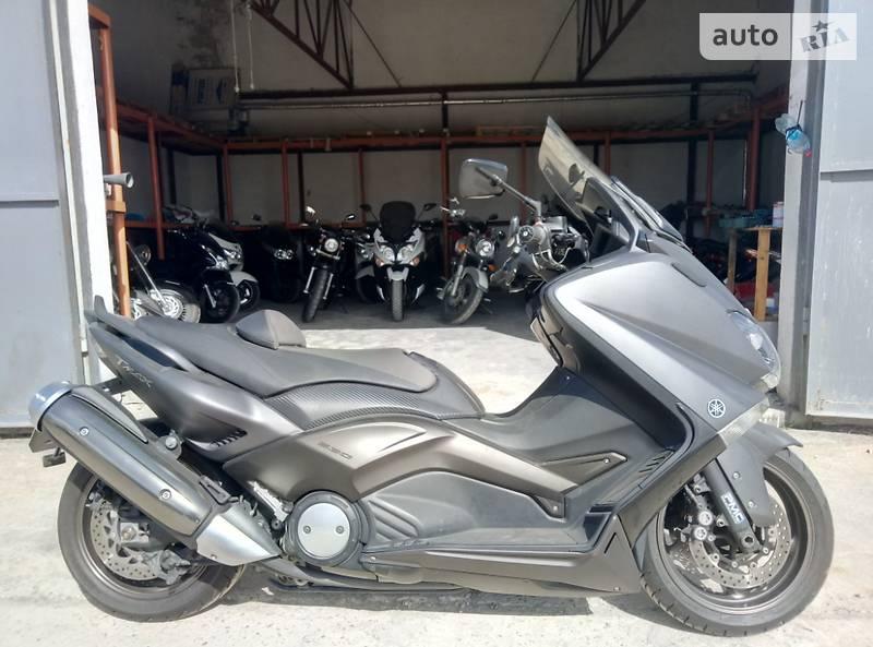 Yamaha T-MAX Matte Black