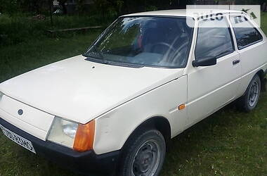 ЗАЗ 1102 Таврия 2003 в Борщеве