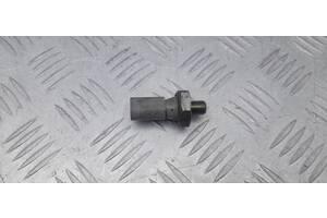 038919081P - Б/у Датчик давления масла на VW PASSAT B7 (362) 3.6 FSI 2012 г.