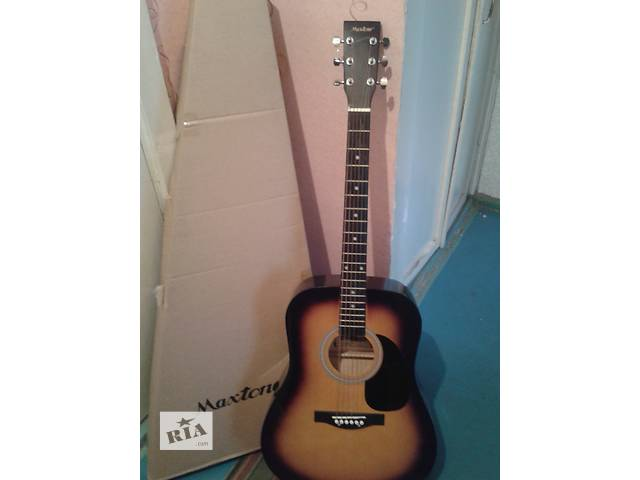 продам Акустическая гитара в отличном состоянии бу в Донецке