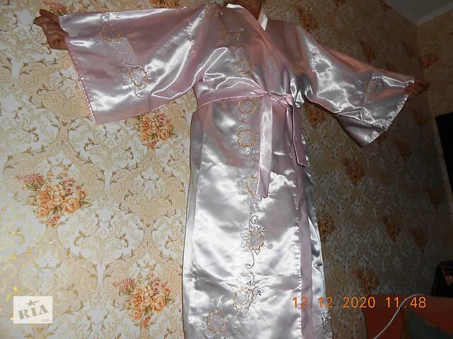 купить бу Халат жіночий атласний з вишивкою в Херсоні
