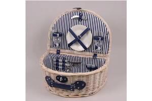 Набір для пікніка в плетеному кошику на 2 персрни