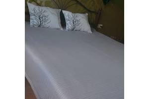 Покривало-плед і декоративні подушки