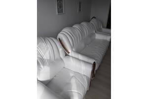 Кожаный раскладной диван с раскладными креслами