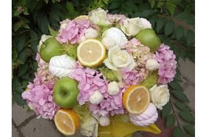 Букеты фруктово-цветочные а также из конфет