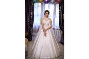 Продам свадебное платье атлас