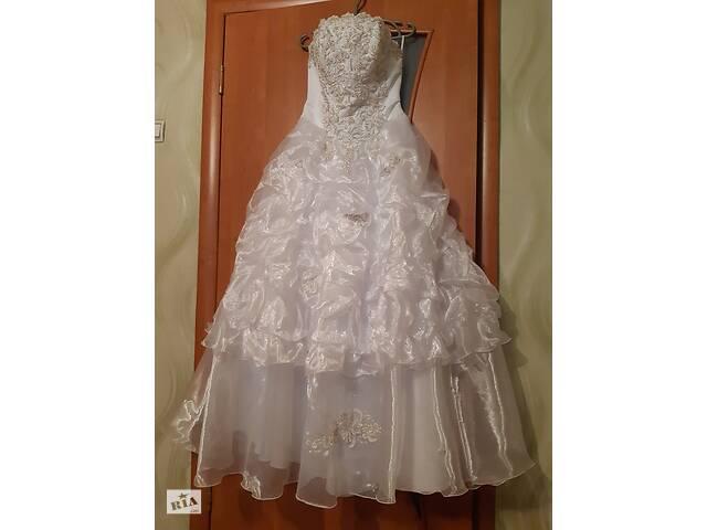 продам Свадебное платье бу в Хрустальне