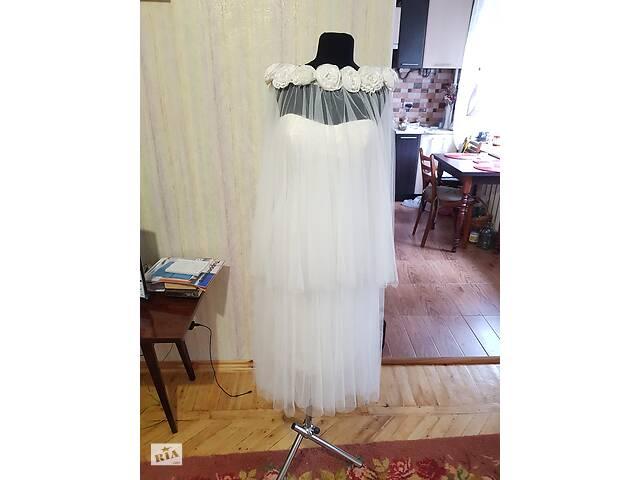 купить бу Весільні сукні і не тільки.. в Чернігові