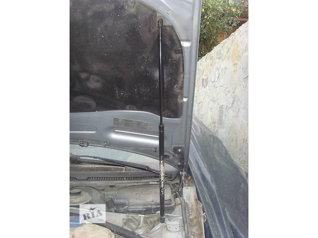 продам Б/у амортизатор капота для легкового авто Audi A6 бу в Борщеве (Тернопольской обл.)