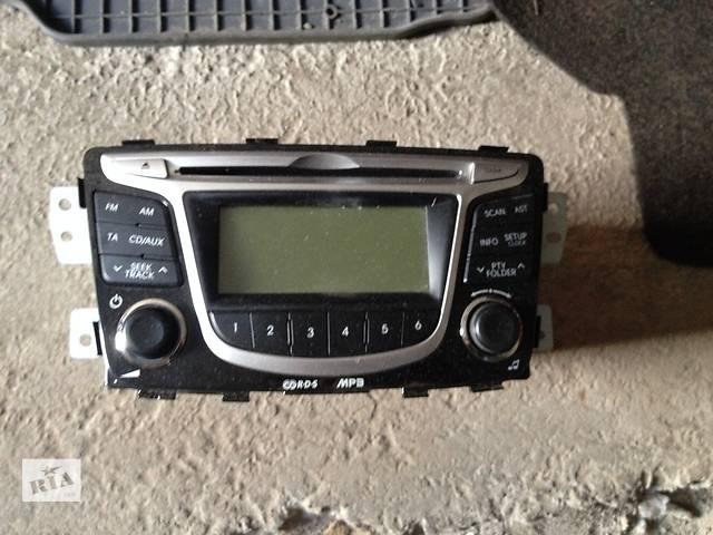 продам Б/у автомагнитола для легкового авто Hyundai Accent бу в Киеве