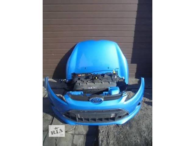 купить бу Б/у бампер передний для хэтчбека Ford Fiesta 2010 в Луцке