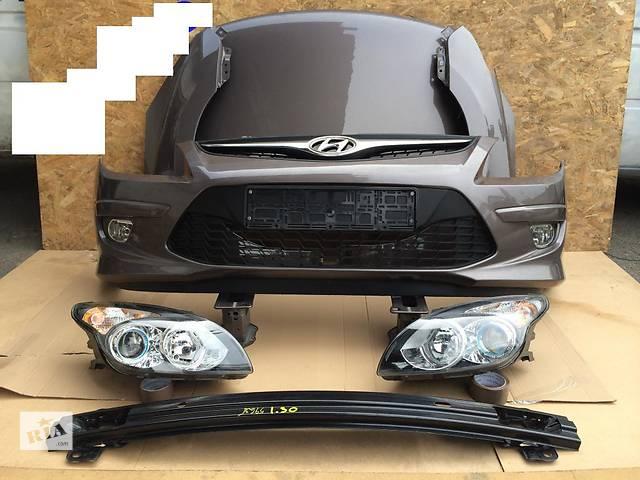 бу Б/у бампер передний для легкового авто Hyundai i30 в Здолбунове