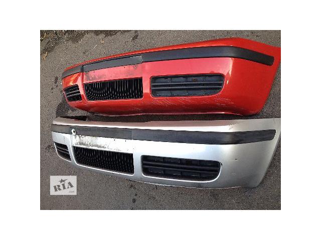 бу Б/у бампер передний для легкового авто Skoda Octavia в наличии в Луцке