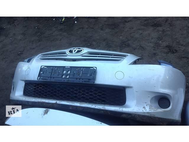 бу Б/у бампер передний для легкового авто Toyota Auris в Киеве