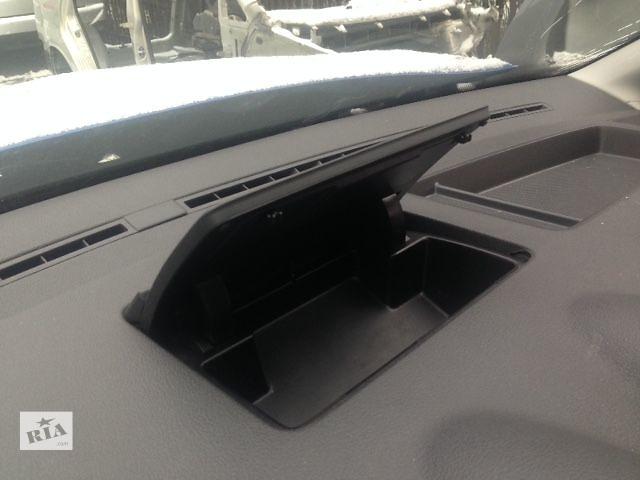 бу Б/у бардачок на торпеду для легкового авто Volkswagen Caddy 2007 в Киеве