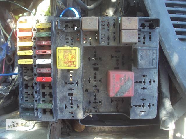 купить бу Б/у блок предохранителей проводка реле блоки для легкового авто Ford Sierra в Горишних Плавнях (Комсомольск)