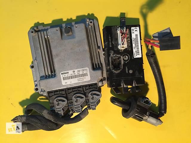 купить бу Б/у бортовой компьютер для легкового авто Renault Trafic в Ковеле