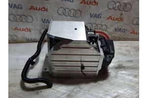 Б/У Дополнительный аккумулятор AUDI A5 A4 8W0915172B