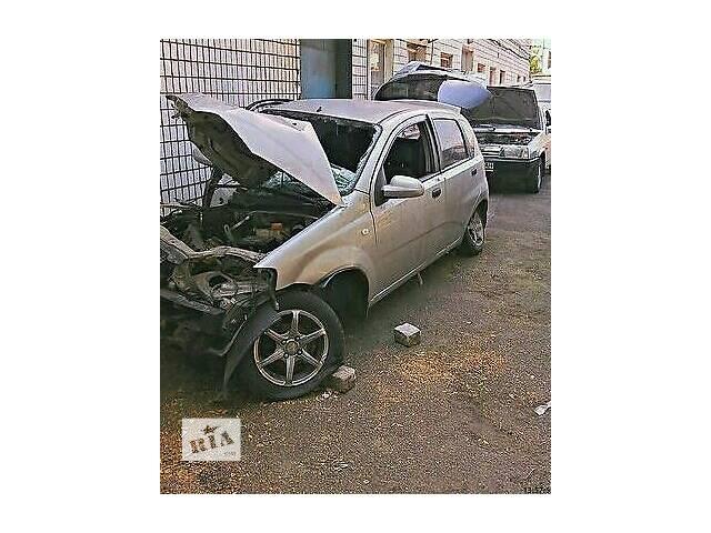 купить бу Б/у дверь передняя для хэтчбека Chevrolet Lacetti в Запорожье