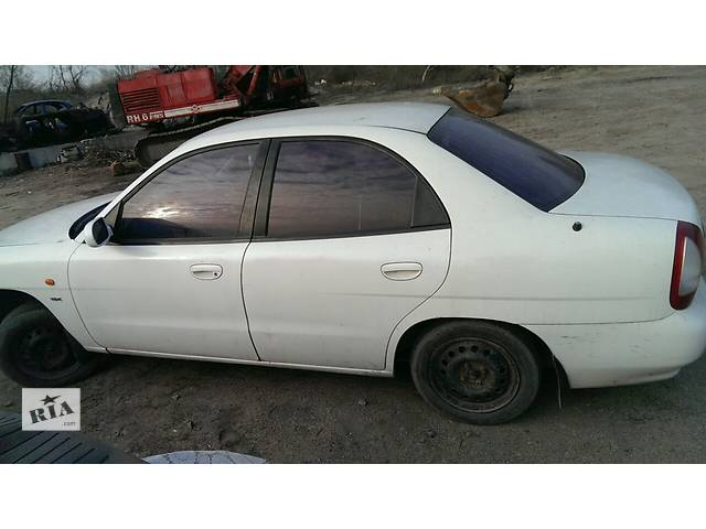 купить бу Б/у дверь передняя для седана Daewoo Nubira в Запорожье