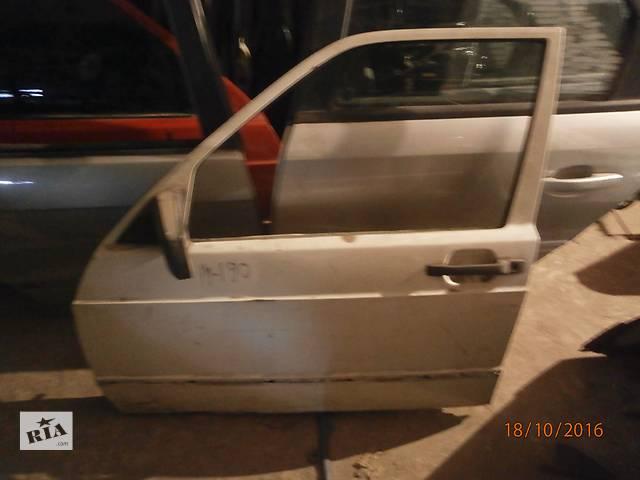 бу Б/у двері передні для седана Mercedes 190 в Львове