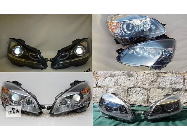 купить бу Б/у фара для легкового авто Mercedes C-Class w204 07-14 в Львове