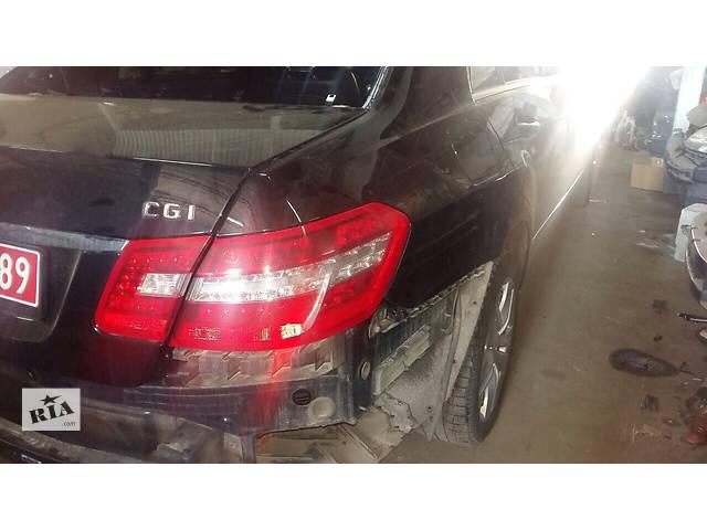 бу Б/у фонарь задний для легкового авто Mercedes E-Class в Киеве