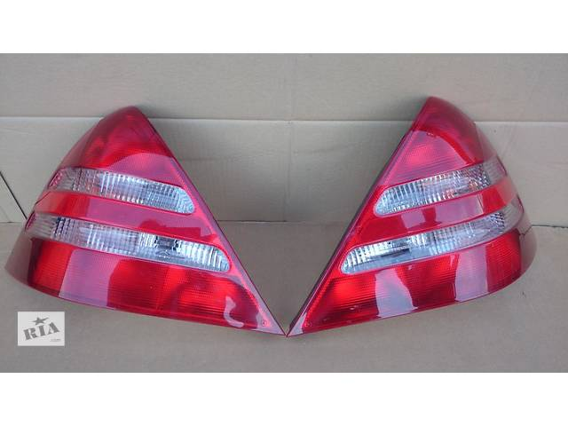 купить бу Б/у фонарь задний для легкового авто Mercedes SLK-Class w170 00-04 в Львове