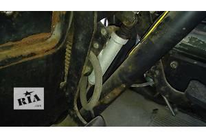 б/в Головні циліндри зчеплення Mercedes 608